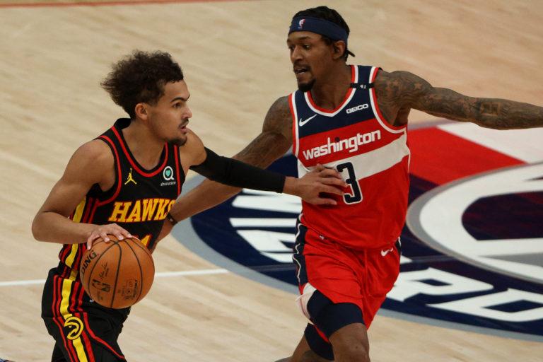 Los Hawks vencen a los Wizards en un encuentro con tres expulsiones